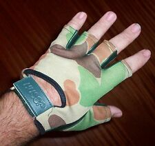 >>>. OZZIE CAMO 1/2 FINGER GLOVES - LEATHER PALM  AUSTRALIAN ARMY  NEW .<<<