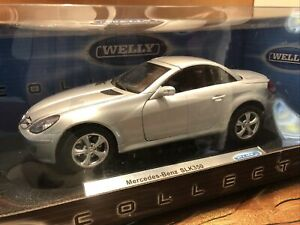 Mercedes SLK 350 Diecast 1:18 Scale by Welly Collection Silver