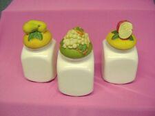 Pot en céramique blanc avec couvercle pour épices  lot de 3 /S5