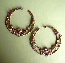 176 /  BOUCLES D'OREILLE PERCEES EN METAL  / coccinelle tour eiffel etc...