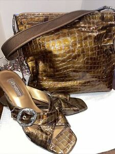 BRIGHTON BROWN CROC PATENT LEATHER SLIDES WITH MATCHING PURSE