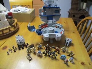 Star Wars Hasbro Galactic Heroes Millennium Falcon Playset 10 Action Figures &
