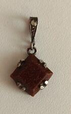 Ancien pendentif en argent massif, marcassite et pierre à identifier