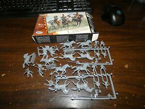 1/72 Scale: HAT: 8011: Napoleonic French Lancers box set