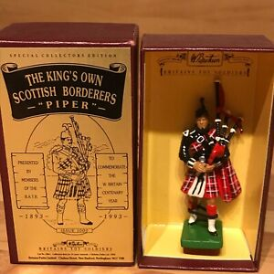 BRITAINS 5861 KINGS OWN SCOTTISH BORDERERS KOSB PIPER CENTENERY TOY SOLDIER