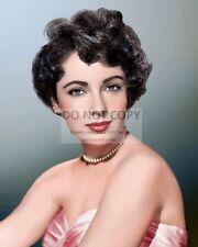 ELIZABETH TAYLOR LEGENDARY ACTRESS - 8X10 PUBLICITY PHOTO (AZ722)