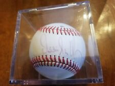 2004 Chicago Whitesox Manager Ozzie Guillen Signed MLB Baseball w/ Display Case