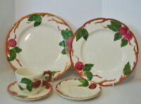 Franciscan Apple Dinner Luncheon Plate 2 Saucers 2 Cups England USA Backstamp