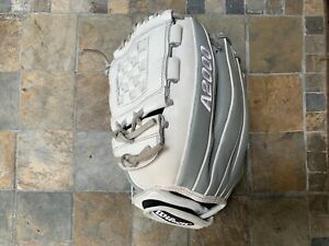 "Wilson A2000 P12 12"" Fastpitch Softball SuperSkin Glove WTA20RF19P12 LHT *Read*"