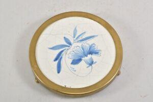 a77a14- Keramik Kachel auf Messingständer, Friesland, um 1800(?)