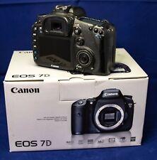 Canon EOS 7D 18.0 MP SLR-Digitalkamera - Schwarz // 18-55 III