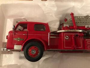 Franklin Mint 1.32 1954 American Lafrance  Ladder Fire Truck No Base