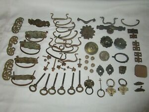 Large lot OLD VINTAGE FURNITURE HARDWARE - Drawer Pulls, Handles, Knobs, Hinges