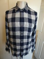 Mens Levis Long Sleeved Checked Casual Shirt - Size Medium