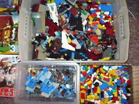 LEGO 100 Bulk Pieces Star Wars, Racer, Castle, Great Condition + 1Minifigure