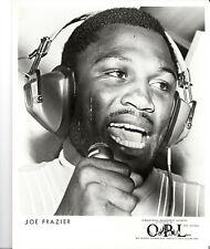 1970s--JOE FRAZIER (HEAVYWEIGHT CHAMP)--8x10 PUBLICITY PHOTO--XLNT