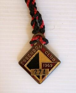 RARE VINTAGE 1969 ESSENDON FOOTBALL CLUB VFL BOMBERS SOCIAL CLUB MEDALLION AFL