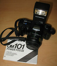 Macchina Reflex 35mm Olimpus. Flash T18. Automatica, manuale e semiautomatica