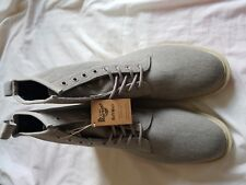 MENS BNWOB DR MARTENS GREY LACE UP BOOTS SIZE 10