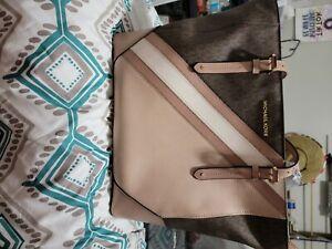 Michael Kors Charlotte Women`s Tote Bag - Black (35T0SCFT3B)