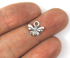Antique Silver Tibetan Metal alloy INSECT BEE Charms Pendant Beads Crafts Cards
