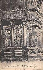 BF4714 arles detailes du portall de l eglise saint trop france