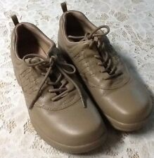Supremes Women's Beige Leather Comfort Walking Oxfords Size 8.5 N