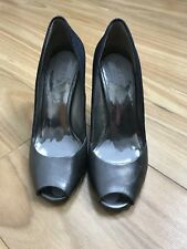 GUESS Sz 7M Womenz Denim & Metallic Silver Heels Peep Toe Wooden Stiletto Heel