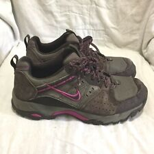 193be0f798e70 Nike Trail Hiking Zapatos De Gamuza Marrón-Multi color (tamaño 9) para mujer