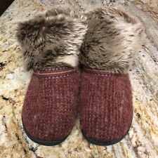 Isotoner Woodlands Faux fur cuff ankle slippers 9.5 10 women's Burgundy
