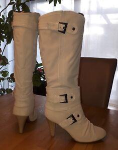 Schicke Stiefel Beige Glattlederoptik 39