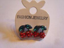 Ohrringe mit Kirschen aus grün roten Strasssteinen Handgemacht 3943