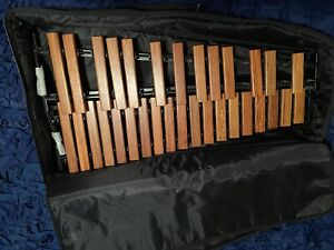 Majestic X4525D 2.5 Octave Rosewood Xylophone - Exc condition!! Includes Case!