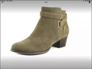Olive Green Giani Bernini Chelsea vegan Suede ankle Boots Size 9.5