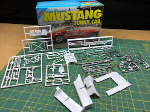 Mustang Funny Car CHASSIS Logghe 1:25 UNBUILT Polar LIghts LBR Model Parts FOB