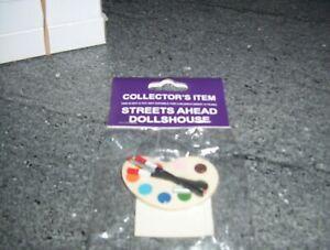 Dolls House Miniatures 1/12th scale artist paint palette