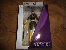 DC Collectibles DC Comics - The New 52: Batgirl Action Figure
