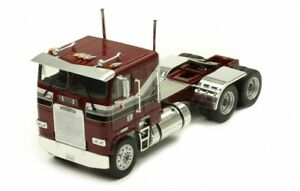 IXO 1/43 TR047 FREIGHTLINER FLA rouge foncé 1993 Tracteur camion Tractor Trekker