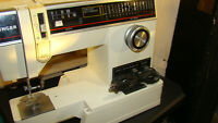 Singer 6235 Sewing Machine with foot pedal TESTED