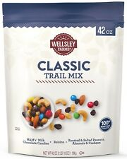 Wellsley Farms Classic Trail Mix, 42 oz. (1.19 Kg.)