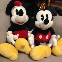 Adorable Large Disny Mickey and Minnie Mouse Classic Pie Eyed