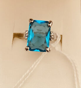 A Simulated Aquamarine Silver Ring In Size M