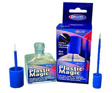 AD77 - Deluxe Materials - Plastic Magic Liquid Adhesive - 40ml Bottle - T48 Post