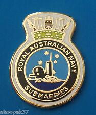 ROYAL AUSTRALIAN NAVY SUBMARINES ENAMEL & GOLD PLATING 20MM HIGH OBERON SUBS