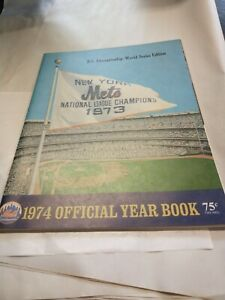 VTG 1974 NEW YORK METS OFFICIAL YEARBOOK ~ NL CHAMPIONSHIP WORLD SERIES EDITION