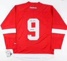 "Gordie Howe Signed Red Wings Jersey Inscribed ""Mr Hockey"" (Schwartz COA)"