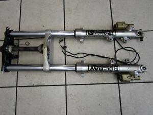 18. Suzuki GSXR 1100 GU74 C Gabel Standrohr Tauchrohr Gabelbrücke Fork