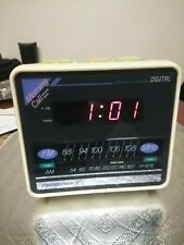 Soundesign Morning Call Vintage Cube Alarm Clock 3634 White Works