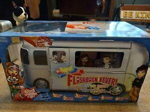 BRATZ Flashback Fever Retro Ride Bus Rare in Box Original! This thing is BIG!