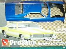 AMT PRO SHOP 1966 BUICK RIVIERA LOWRIDER 1/25 PREPAINTED PLASTIC MODEL KIT